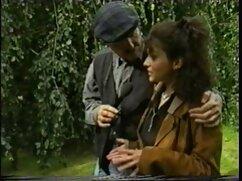 دوست دختر خود را در دانلود فیلم سینمایی سکسی با دوبله فارسی آشپزخانه چند بار