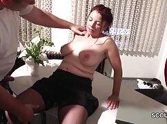 آبدار زن نوجوان سواری در بزرگ فیلم پورن دوبله او