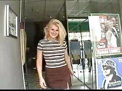 دو صفحة را Showebcam شات نشان دوبله فیلم سکسی می دهد