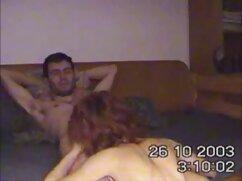 جوجه های سکس دوبله فارسی جوان تنها در سفید در سوراخ